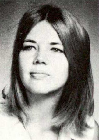 emotionsdelivered:Elizabeth Warren as a young women.