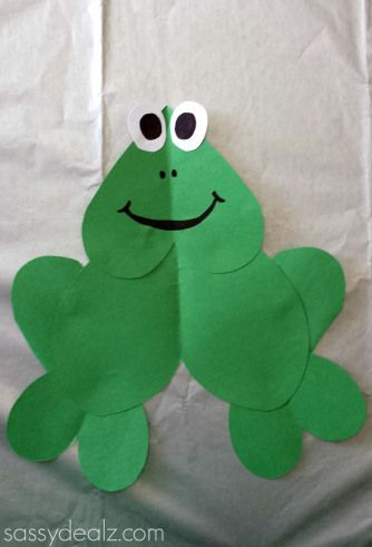 Frog crafts paper hearts and frogs on pinterest for Frog crafts for preschoolers