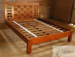 Tempat Tidur Minimalis Jati Kawung