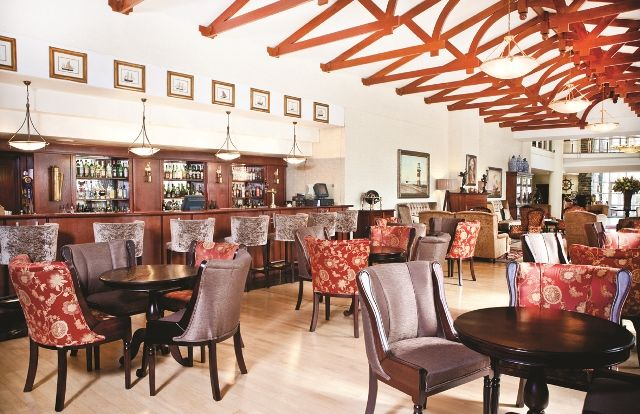 Commodore Hotel Cape Town - lounge http://www.lionworldtravel.com/safari/classic-south-africa