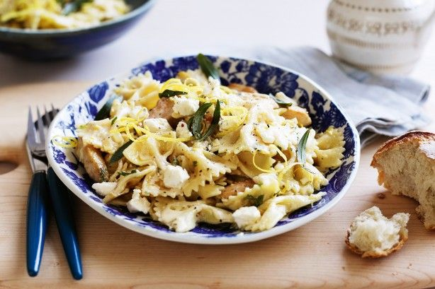 Shake up your weeknight meal routine with this easy Italian chicken pasta idea!