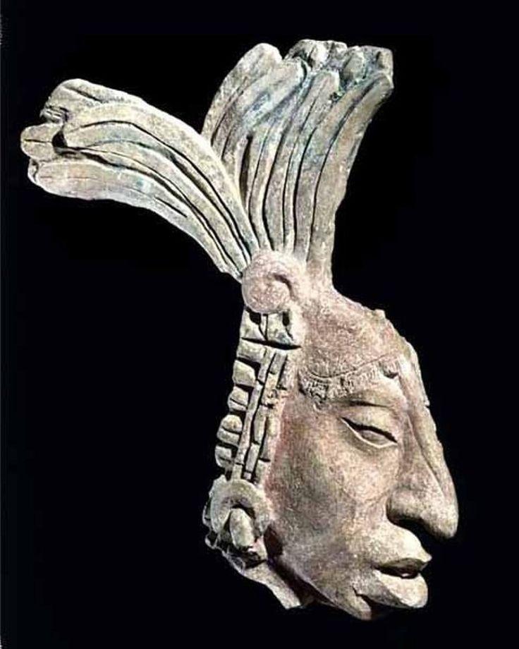 Antigüa escultura Maya.