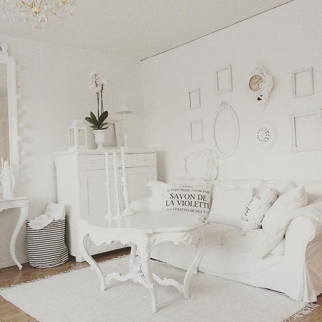 Oltre 10 fantastiche idee su shabby chic bianco su for Piccolo cottage che vive