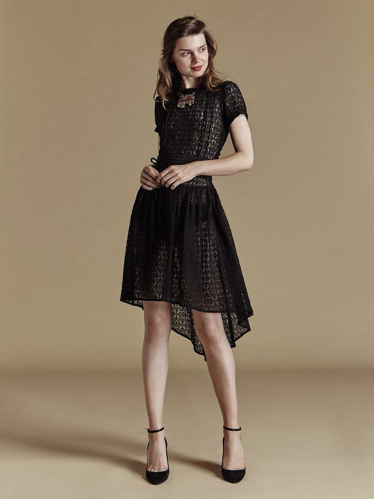 les 25 meilleures id es concernant robe reveillon sur pinterest robe de reveillon tenue de. Black Bedroom Furniture Sets. Home Design Ideas
