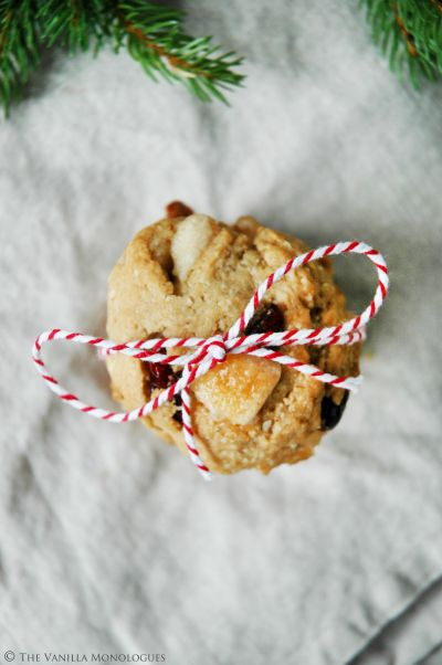 Vegan White chocolate and Cranberry Christmascookies! (thevanillamonologues.blogg.no)