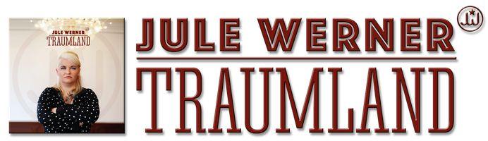 TRAUMLAND - So heißt das deutschsprachige Debutalbum der Soul-Sängerin Jule Werner. Hier weht dem Zuhörer ein Hauch der 70er entgegen. Überhaupt fragt man sich, wo die starke Stimme der Sängerin die Jahre geblieben war. Aber nicht nur Jule und die Band sind hörenswert. Auch der Sound sucht seinesgleichen und wurde in den legendären
