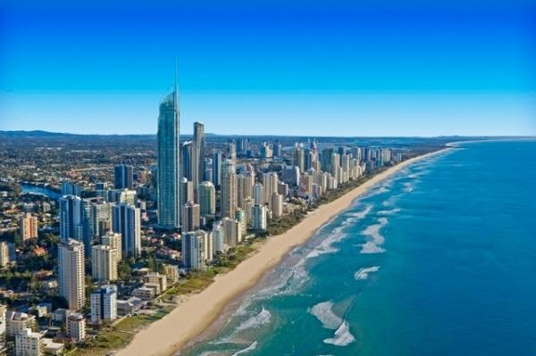 Gold coast beach.. or with other words heaven for surfers on earth.