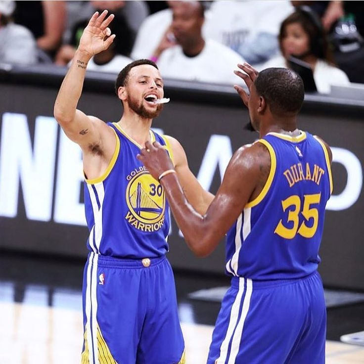 Warirors look to close off the Spurs tonight in Game 4 at 6 PT. 🔥 If the Warriors win tonight, they will set the record for the most wins to begin a playoffs without losing in NBA history! 🏀 #NBAPlayoffs #DubNation #Warriors