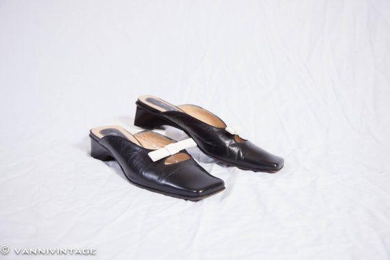 Vintage leather slipper 1990s  bow application door VanniVintage, €27.50