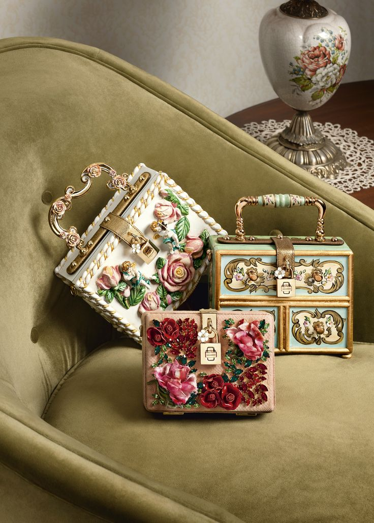 The perfect collection for ceremonies and special occasions.  Discover it in the Dolce&Gabbana boutiques.