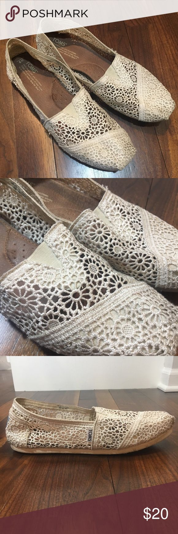 TOMS Cream Lace Classic Women's Toms Size 9 These lace Toms are in good used condition. Some wear shoes on the bottom (pictured), and there's a dark spot on the back of one of the heels (pictured). No thinning in the toes (common sign of wear in Toms). Size 9. Toms Shoes
