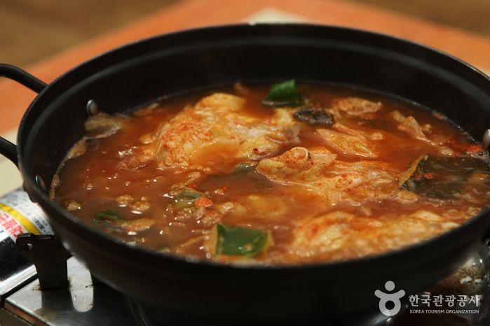 전국의 애주가 설레게 하는 겨울 별미 삼척 곰치국 #jeonju #korea #koreafood