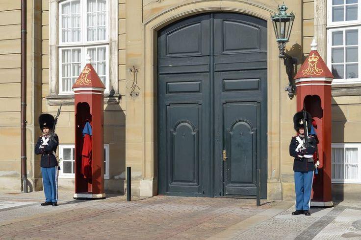 Kopenhagen Schloss Amalienborg Wachen