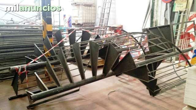 MIL ANUNCIOS.COM - Escaleras caracol. Compra-Venta de artículos de bricolaje de segunda mano escaleras caracol