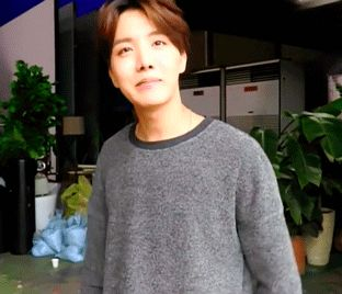 This boy is so precious! ^_^ I'm really happy to see him finally getting the attention he deserves. Please ARMY, let's make sure that our little ball of sunshine never has to leave a V live again because of people ignoring him...Please love J-Hope a lot~ :3 #Hoseok get your shine #Bangtan fighting #Vote BTS for MAMA