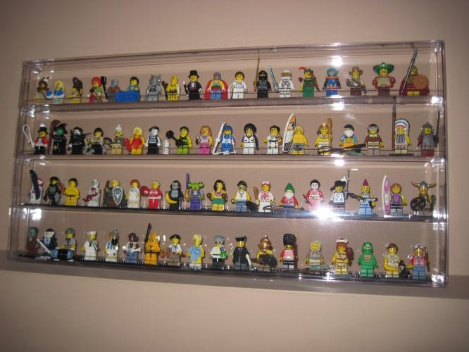 New Clear Minifigure Lego Wall Display Case Holds 72 W