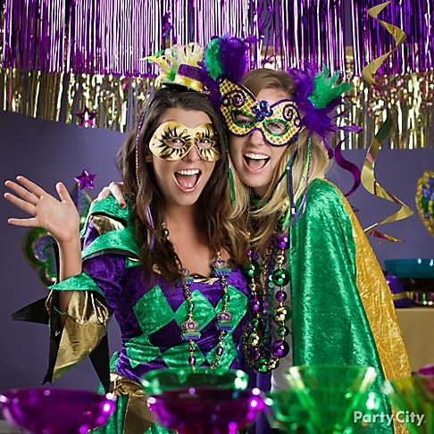 7 ways to dress up for a Mardi Gras masquerade party