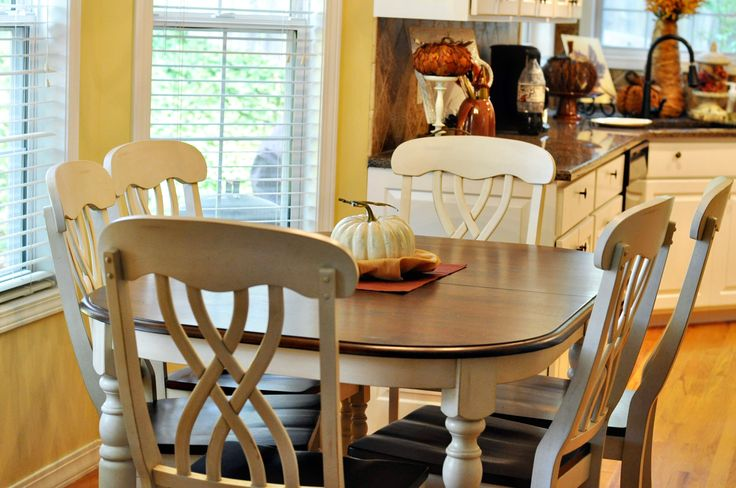 love the 2 colors for the table and chairs