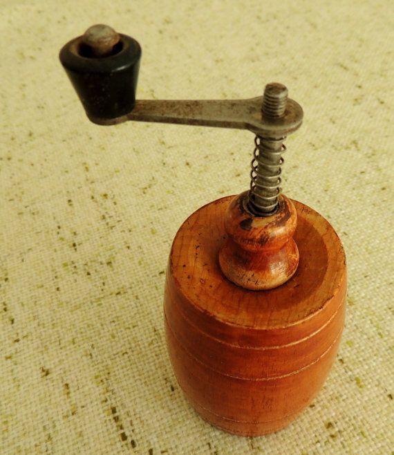 Vintage Pepper Mill Pepper Grinder Home Kitchen Vintage