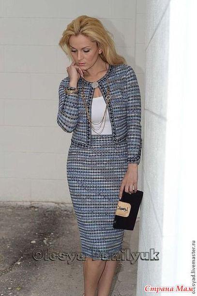 Увидела этот костюм и как всегда горю от желания связать. Автор Олеся Данилюк. Ее модели по моему мнению это сверх совершенство.