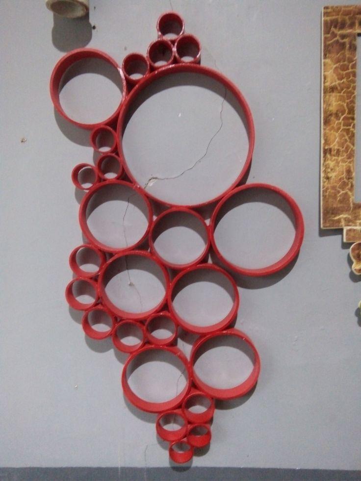 Hiasan Dinding HD-1 warna merah dengan bahan PVC