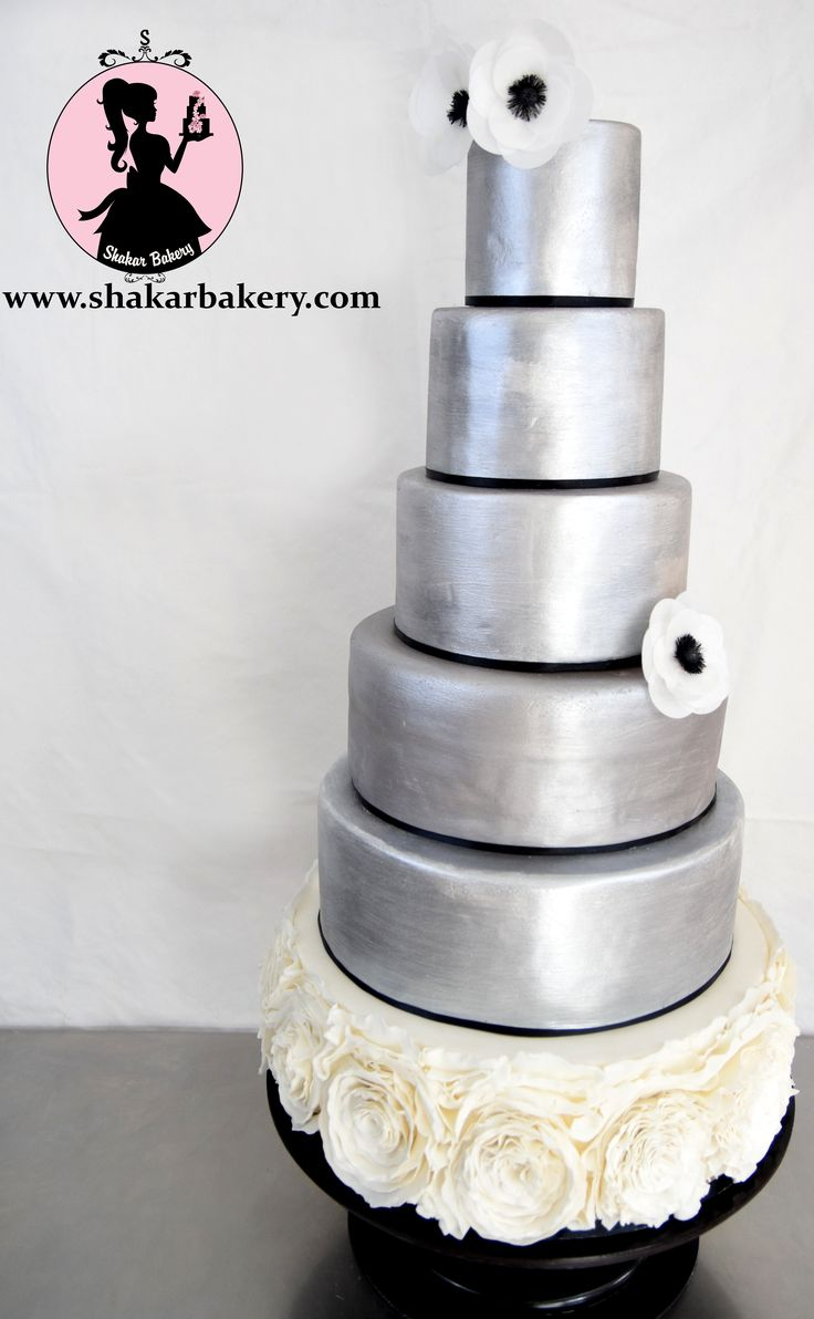 wedding cakes los angeles prices%0A Shakar Bakery is based in Los Angeles and specializes in wedding cakes   engagement cakes and special occasion cakes using mostly organic  ingredients