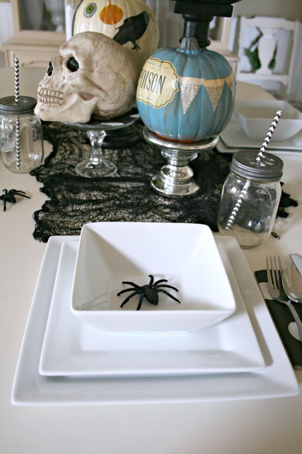Halloween Table Centerpiece | Easy table decor with decoupaged pumpkins | TodaysCreativeLife.com