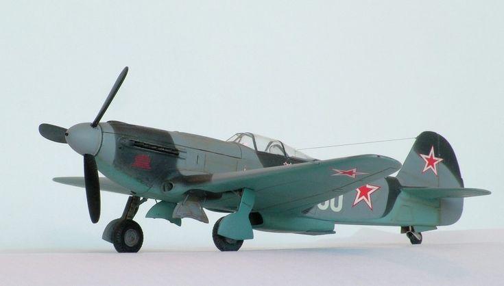 Amodel 1/72 Як-9У