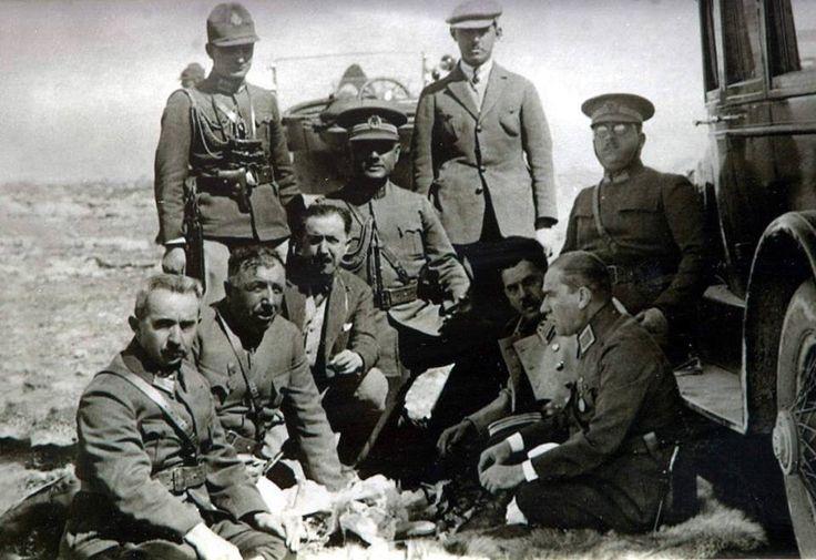 Atatürk'ün bilinmeyen fotoğraflarından