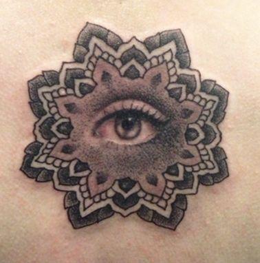 Black and Grey Tattoo Designs | tumblr_mgvgdvoVM51qg4h3bo1_400.jpg