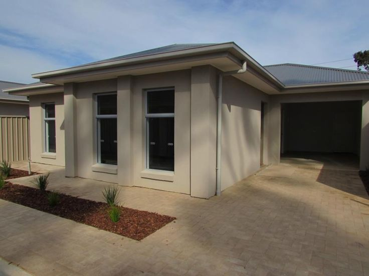 Mordern Courtyard Home in Ideal Location.
