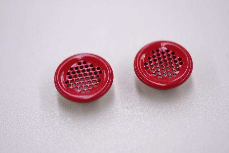 Enamel mesh eyelet. Improves the breathability on your garment. #trim #details #eyelet #fashion