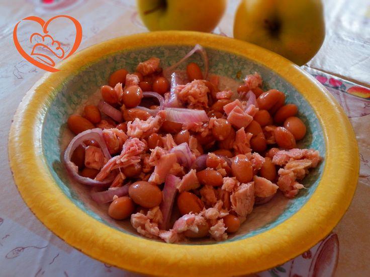 Tonno,borlotti e cipolle http://www.cuocaperpassione.it/ricetta/0d391f4c-9f72-6375-b10c-ff0000780917/Tonnoborlotti_e_cipolle