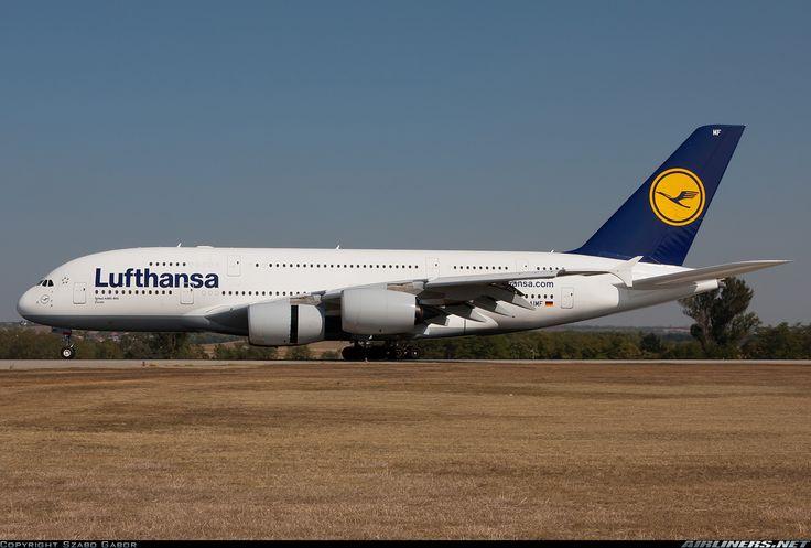 Airbus A380-841, Lufthansa, D-AIMF, cn 066, first flight 18.10.2010, Lufthansa delivered 31.3.2011. His last flight 30.4.2016 Frankfurt - Shanghai. Foto: Budapest, Hungary, 2.10.2011.