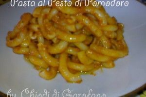 Pasta al pesto di pomodoro http://blog.giallozafferano.it/chiodidigarofano/pasta-pesto-pomodoro