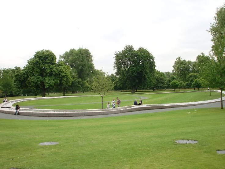 Diana Princess of Wales Memorial Fountain, London by Kathryn Gustafson