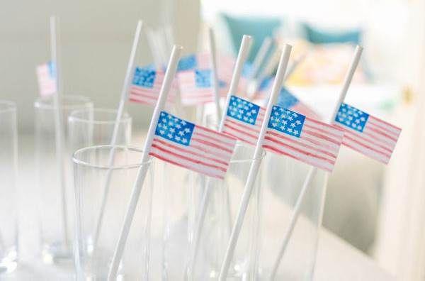 Триколор для весёлых декораций праздничной вечеринки - патриотический настрой вашим гостям обеспечен!