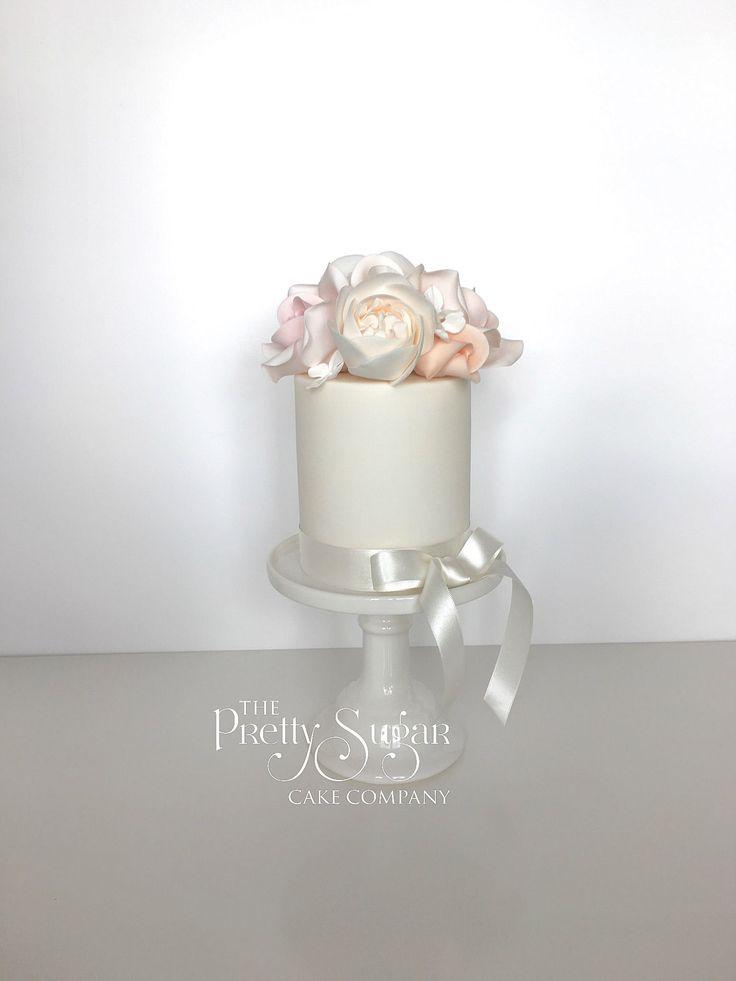 Blush pinks and softest peach sugar roses