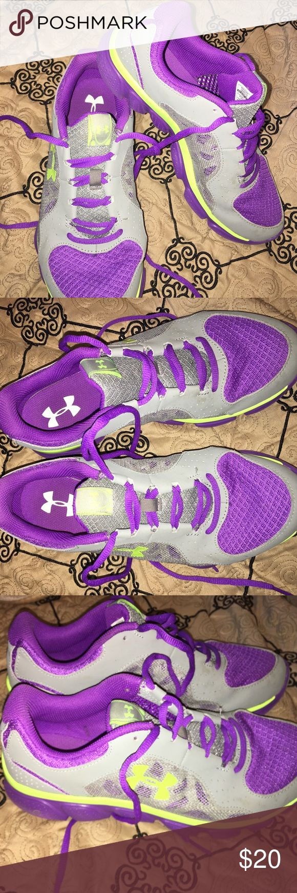 8.5 under armour women's shoes Under armour running sneakers worn twice. Like new. Under Armour Shoes Sneakers