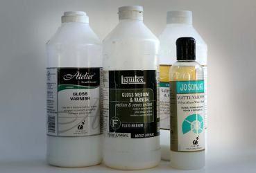Different types of varnish