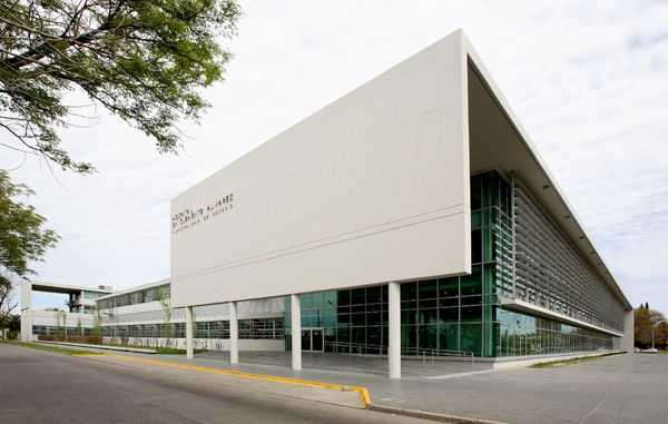 Hospital de Emergencia Clemente Alvarez   Mario Corea Arquitectura