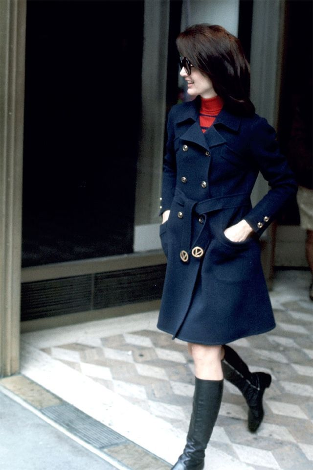 Jacqueline Kennedy Onassis Photos - Jacqueline Kennedy Onassis in New York Book