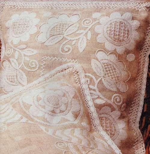 Вышитые наволочки для подушек