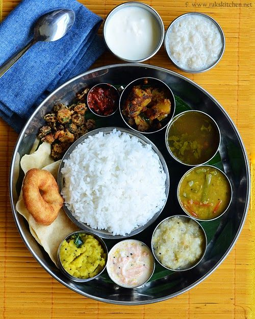 Paruppu,Carrot thayir pachadi,Potato curry,Cabbage kootu,Cluster beans sambar,Rasam,Ulundhu vadai,Vendakkai varuval,Aval payasam,Appalam,Curd,Pickle