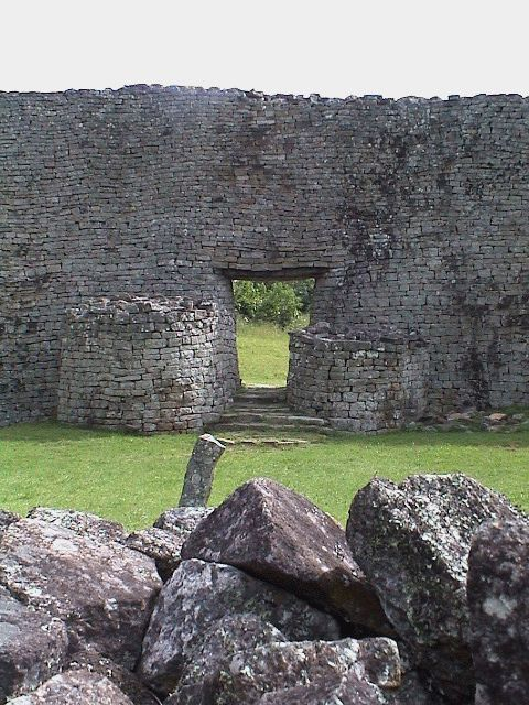 Great Zimbabwe - the work of a civilization that dominated the construction technique like no other, in the heart of Africa.
