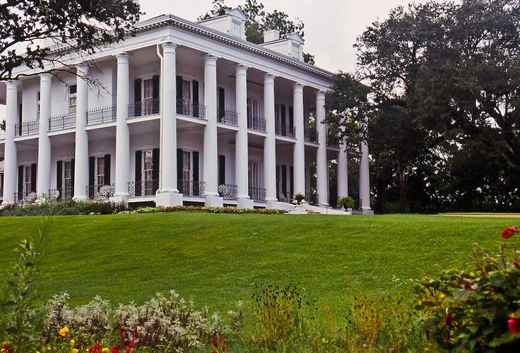 54 best images about southern antebellum plantation homes for Home builders in south ms