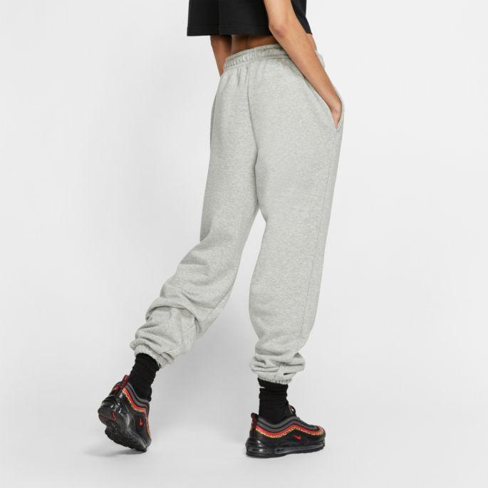 Nike Women S Sportswear Essential Fleece Pants In 2020 Fleece Pants Women Sportswear Women Womens Fleece
