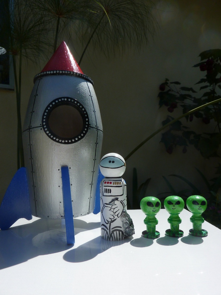 Rocket Ship Whittle Set Peg Dolls by WinkysWhittles on Etsy