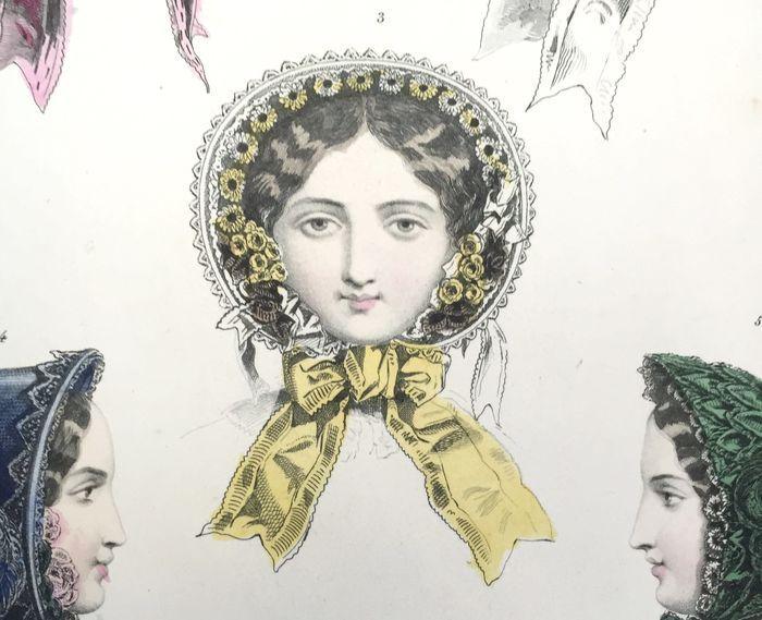 Online veilinghuis Catawiki: Kavel van 5 ingekleurde gravures, thema hoofddeksels - Franse mode midden 19de eeuw