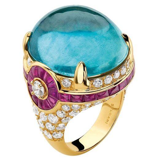 Bulgari. Finally, an aquamarine (my birthstone) I really like!